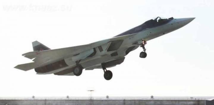 Т-50 взлетает