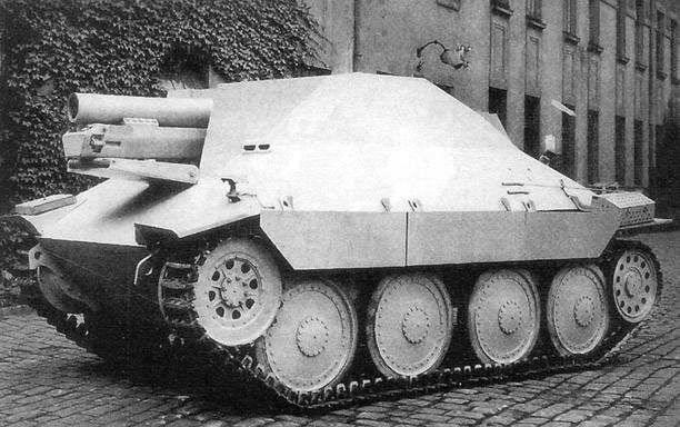 15cm sIG 33/2(Sf) auf Jagdpanzer 38(t)